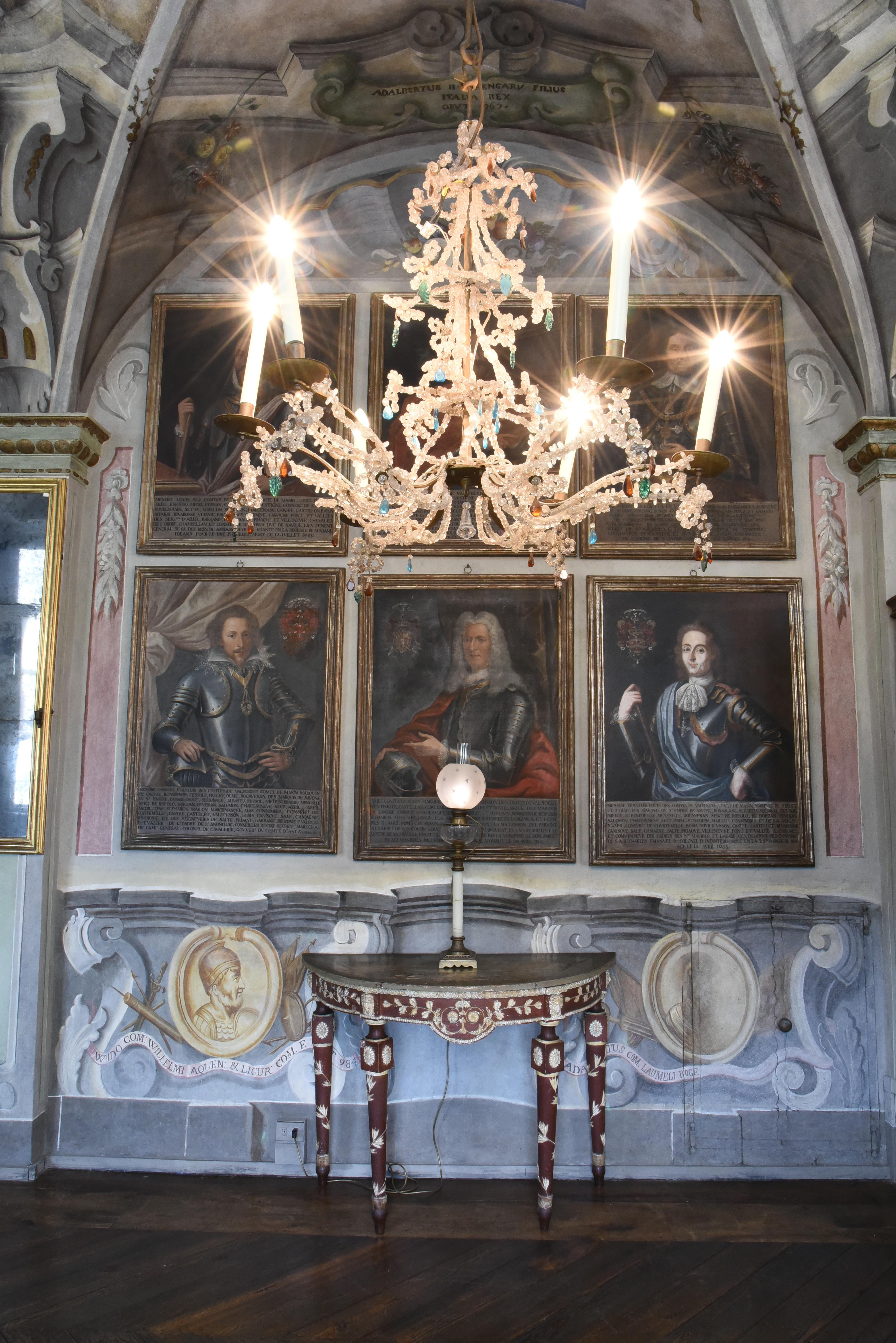 Galleria degli Antenati al Castello di Masino (TO) © FAI