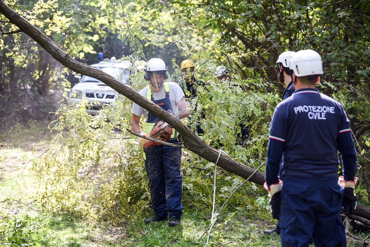 Lavori in corso durante l'esercitazione della Protezione Civile | Castello e Parco di Masino (TO)  | news