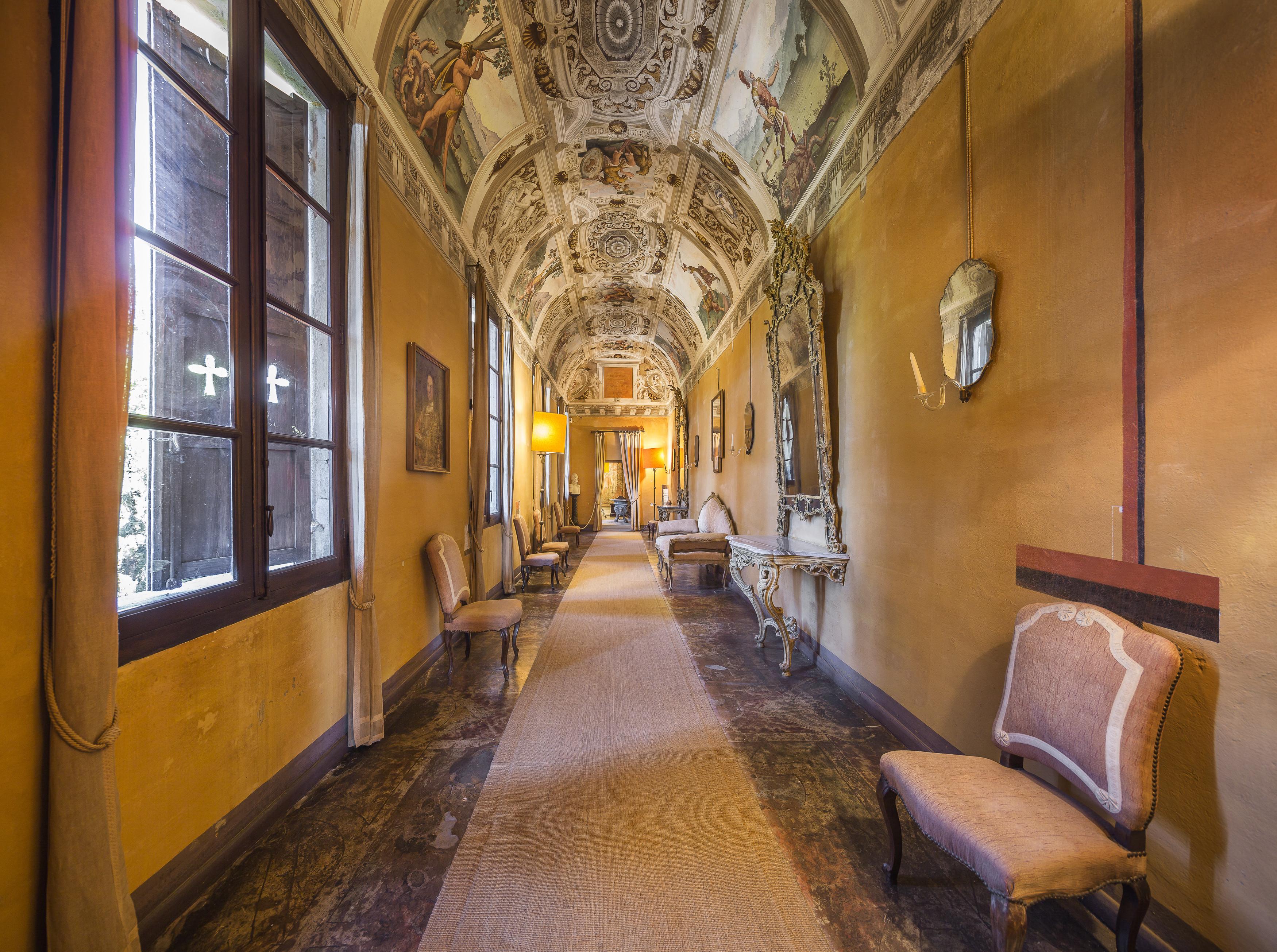 Galleria, Castello della Manta, Manta, (CN)